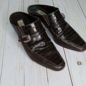Brighton Tiana brown leather croc embossed mule